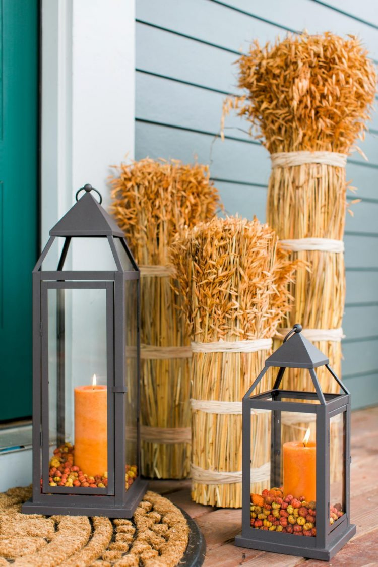 60-pretty-autumn-porch-decor-ideas-21