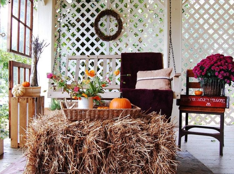 60-pretty-autumn-porch-decor-ideas-9