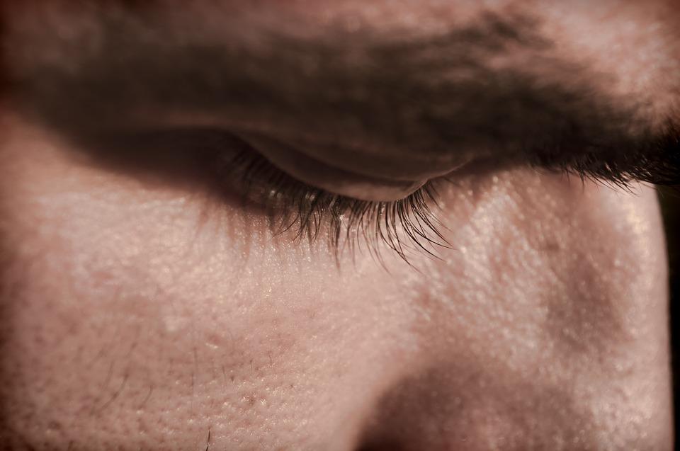 ochiul unui barbat