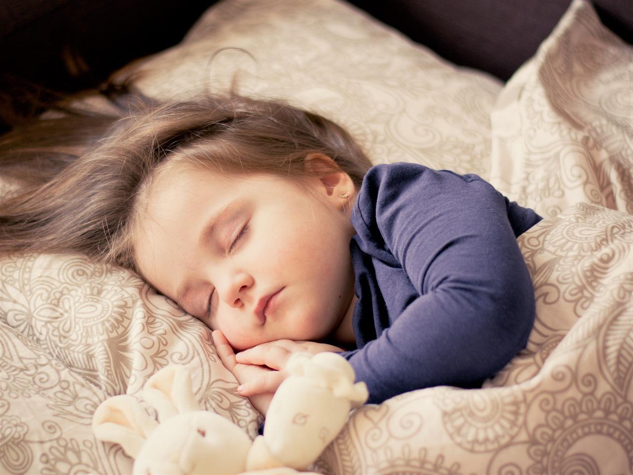 copil la somn